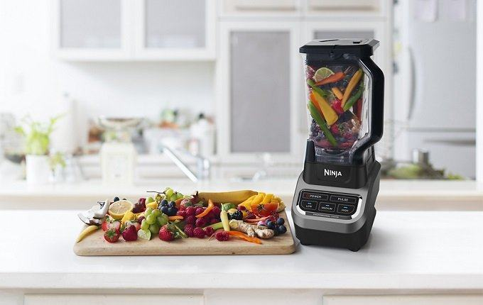 How to Buy the Best Blender for Protein Shakes