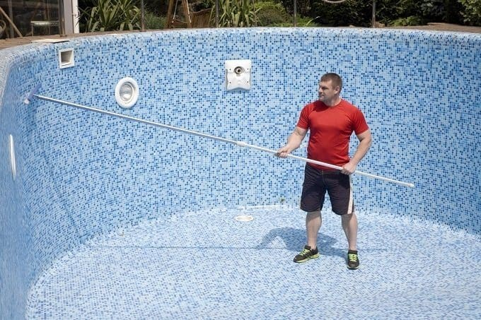 How to Buy the Best Telescopic Pool Pole