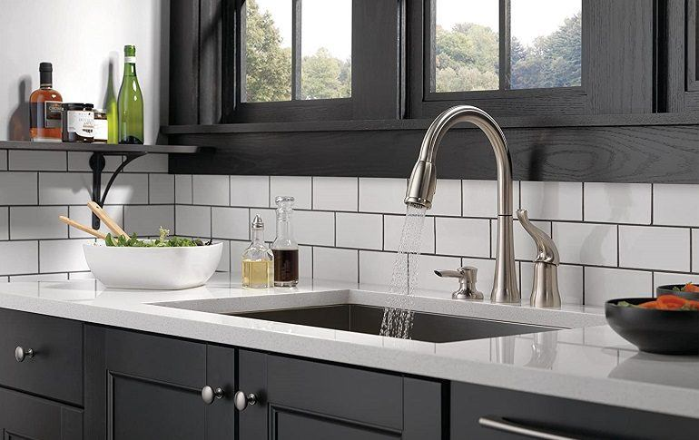 How to Buy the Best Delta Kitchen Faucet