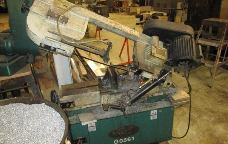 How to Buy the Best Horizontal Band Saw
