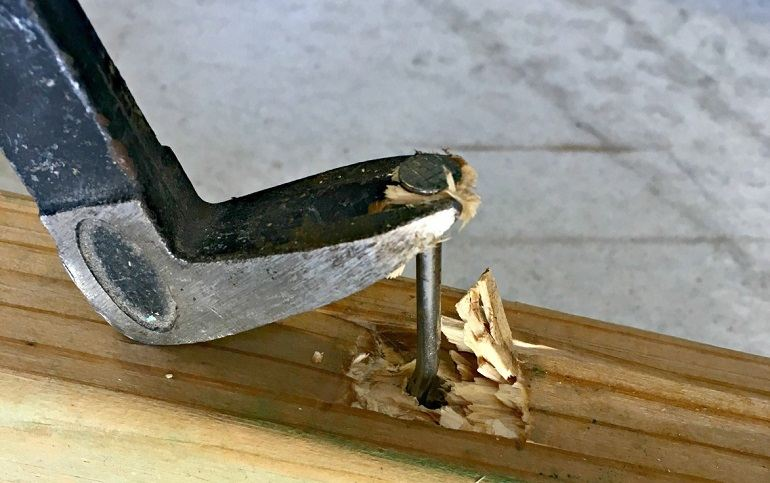 How To Use A Nail Puller