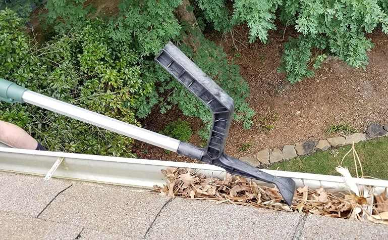 How to Buy The Best Gutter Cleaning Tools