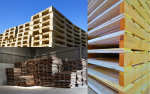 Stacked-Wooden-Pallets